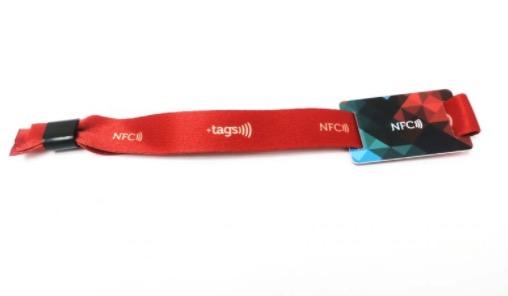 Pulsera NFC de tela y PVC